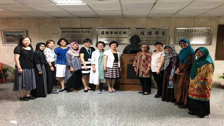2019/04/29 印尼兩所公私立大學Universitas Indonesia和Universitas Muhammadiyah Surakarta護理學者專題演講活動,分享災難護理健康管理經驗和研究成果。